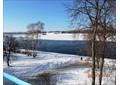 комната с видом на набережную р. Волга.