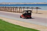 Частный охраняемый песчаный пляж, пантон, недалеко - коралловые рифы...